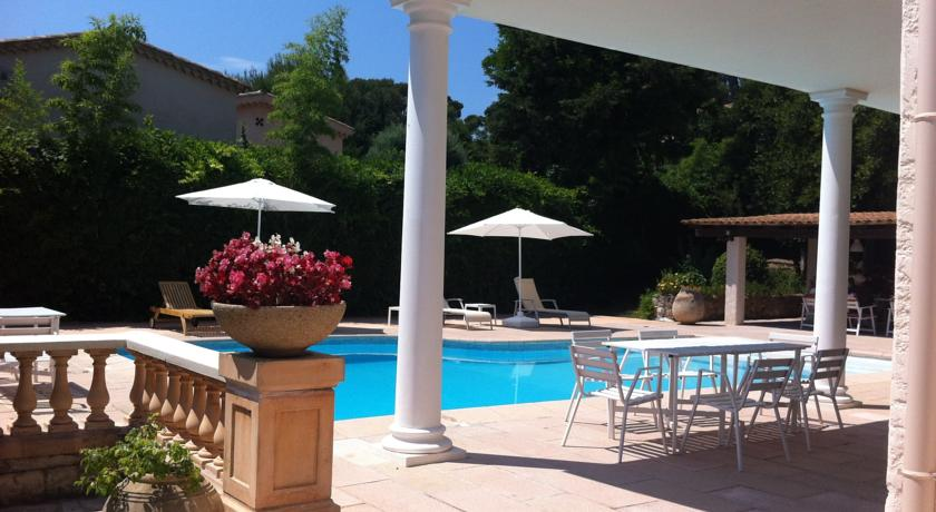 Rental Apartment Le Cyrille - Antibes Juan-Les-Pins Antibes