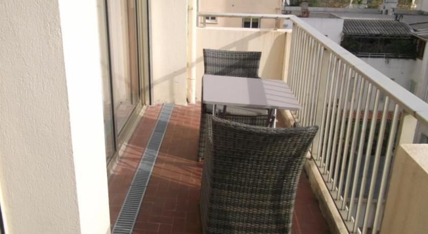 Rental Apartment Le Cyrille - Antibes Juan-Les-Pins