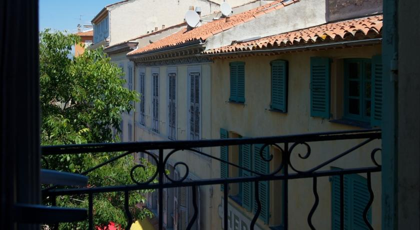 Rue Sade Bed & Breakfast